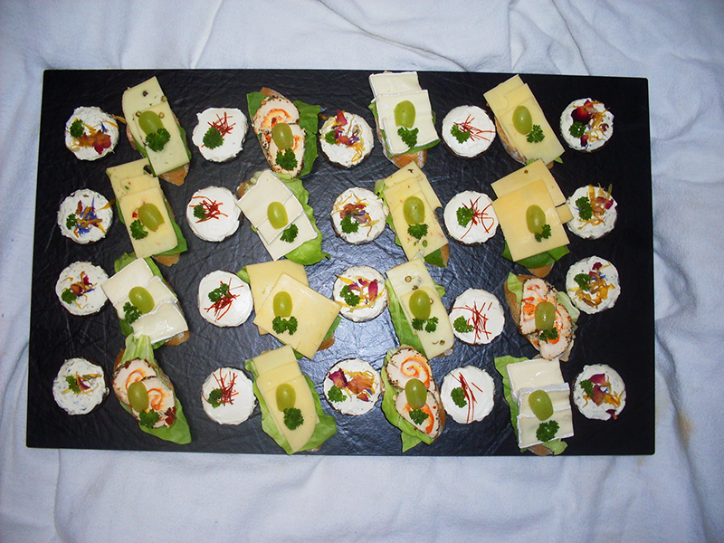 Canapes mit Käse